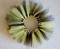 DIY tutu - so cute and looks doable for a crafty-newbie!