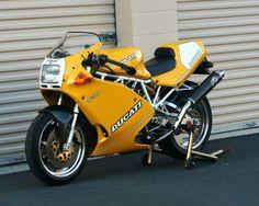 Ducati 900SL - Front Left