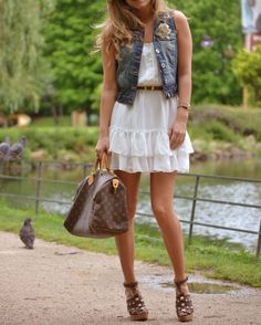 such a cute outfit. especially love the purse :)