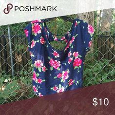 Floral backout top Brand new. Tops Blouses