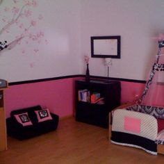 I love the pink and black for my daughters room.
