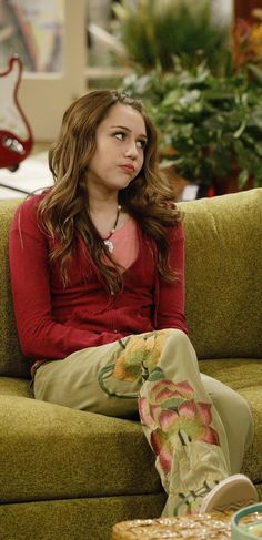 Miley Ray Stewart Hannah Montana Tv Show, Miley Cyrus Photoshoot, Miley Stewart, Old Disney Channel, Lumpy Space Princess, V Cute, Tv Show Quotes, Girl Meets World, 2000s Fashion