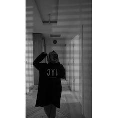 Hijabi Girl, Girl Hijab, Bad Girl Aesthetic, Aesthetic Photo, 30 Day Instagram Challenge, Best Friends Shoot, Funniest Snapchats, Black Hijab, Hijab Fashionista