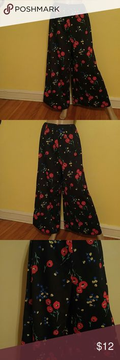 Vintage Polyester Floral Palazzo Pants Size Xl Vintage Polyester Floral Palazzo Pants Size Xl Beautiful Poppy Flowers on Black Background. Wide Bottom. Elastic Waist. Size Xl Vintage Pants Wide Leg