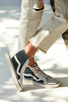 More Colors - More Summer Fashion Trends To Not Miss This Season. The Best of shoes in - Shoes Fashion & Latest Trends - Sneakers hautes crème/noir + jean brut = mix stylé ! Dr Shoes, Sock Shoes, Cute Shoes, Me Too Shoes, Look Fashion, Fashion Shoes, Net Fashion, Fashion Beauty, Looks Style