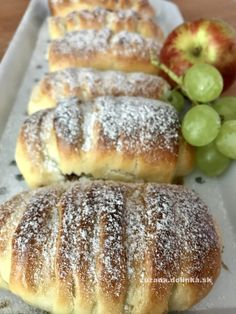 lievito madre – moje malé veľké radosti Hot Dog Buns, Hot Dogs, Sweet Life, Toast, Food And Drink, Bread, Apple, Cookies, Recipes
