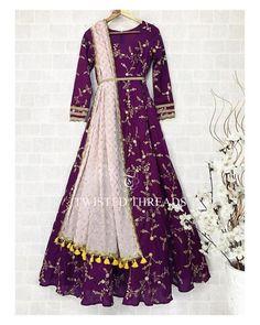Indian Gowns Dresses, Indian Fashion Dresses, Indian Designer Outfits, Pakistani Dresses, Punjabi Fashion, Hijabi Gowns, Lehenga Choli Designs, Lengha Design, Designer Party Wear Dresses