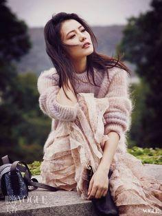 Gao Yuanyuan, Angora Sweater, Chinese Actress, Girl Photos, Asian Woman, Asian Beauty, Fur Coat, Celebs, Actresses