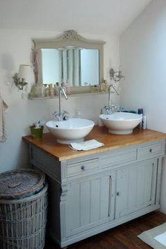 Jolie d coration salle de bain shabby chic sdb shabby - Meuble salle de bain shabby chic ...
