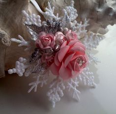 Christmas ornament on etsy (dollar store snowflake ornaments decorated with paper flowers and other embellishments) Pink Christmas Tree, Christmas Ornaments To Make, Snowflake Ornaments, Victorian Christmas, Homemade Christmas, Christmas Projects, Holiday Crafts, Christmas Holidays, Christmas Wreaths