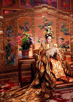Gong Li in 'Curse of the Golden Flower' (2006).