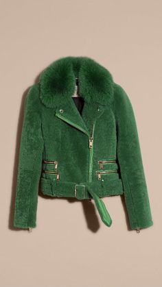 Verde pigmento Chaqueta motera en vellón con cuello de piel Verde Pigmento…