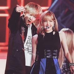Kpop Couples, Cute Couples, Jimin Jungkook, Taehyung, Just Add Magic, Black Pink Kpop, Bts Girl, Blackpink Memes, Best Kpop