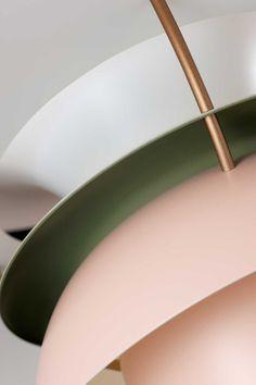 Louis Poulsen - PH5 Pendant in Pale Rose/Green showing of the green detail. For more information and inspiration have a look here: http://www.shop.louispoulsen.dk/