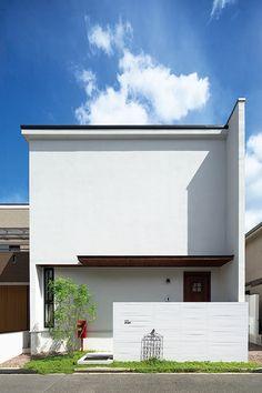 好きなものに囲まれ家族を近くに感じるこの家から、新しい発想が生まれる。