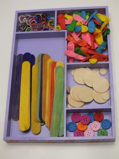 ¿Qué son las Loose Parts y las Tinker Tray? Aprendiendo sobre Reggio Emilia « Happy Mama