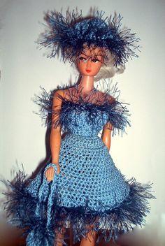 Irresistible Crochet a Doll Ideas. Wonderfully Creative Crochet a Doll Ideas. Crochet Barbie Clothes, Crochet Baby Shoes, Cute Crochet, Beautiful Crochet, Doll Clothes, Crochet Long Dresses, Crochet Bodycon Dresses, Crochet Doll Pattern, Crochet Dolls