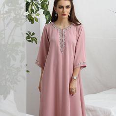 Image may contain: one or more people and text Abaya Designs, Blouse Designs, Abaya Fashion, Fashion Dresses, Kaftan Pattern, Dress Brokat, African Maxi Dresses, Blouse Batik, Mode Abaya