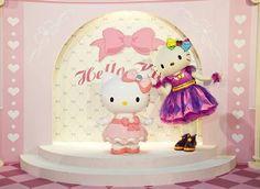 Sanrio Parks: Hello Kitty:)