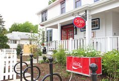 How cute! This is the new Del Ray Cafe from the chef/owners of La Bergerie on N. Lee Street in Alexandria, Virginia.