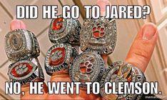 Football Run, Clemson Football, College Football Teams, Football Memes, Clemson Tigers, Auburn Tigers, Football Season, Hunter Renfrow, Nba