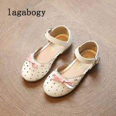 85a0f258ea2 Summer Girls Sandals Children Shoes Non Slip Korean New Princess Pearl Kids  Flat Shoes Hollow Breathable Baby Casual Shoes TX109-in Sandals from Mother  ...