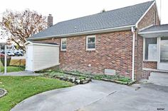 Donna Ault with Berkshire Hathaway Homesale Realty: 436 S HIGH STREET, HANOVER, PA 17331 | homesale.com | MLS ID 21513322