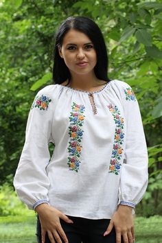 This Romanian traditional shirt is so pretty! Folk Costume, Embroidered Blouse, Designer Wear, Traditional Outfits, Textiles, Embroidery Patterns, Cross Stitch, Tank Tops, Womens Fashion