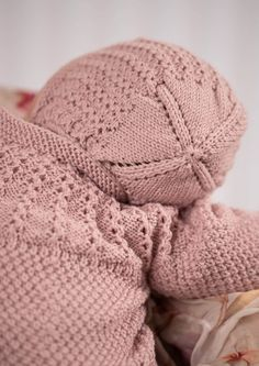 Knitting For Kids, Baby Knitting, Crochet Crafts, Knit Crochet, Crochet Headband Free, Crochet Top Outfit, Baby Barn, Cotton Pads, Knitted Hats