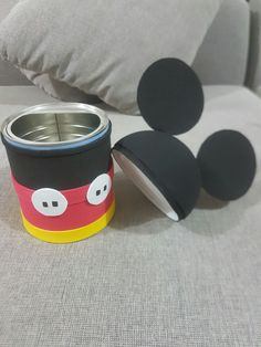 Learn how to make Mickey and Minnie Mouse sweets using super easy and inexpensive ideas that will allow you to make this craft without your pocket Dulceros Mickey Mouse, Mickey Mouse Crafts, Mickey Mouse Decorations, Mickey Mouse Parties, Mickey Party, Mickey Mouse Clubhouse, Pirate Party, Festa Mickey Baby, Mickey Mouse Birthday