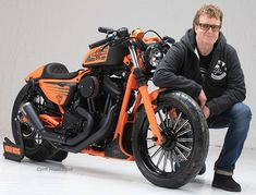 Fred Kodlin Just Unveiled A New Custom Sportster At Italy Motor Bike Expo. at Cyril Huze Post – Custom Motorcycle News Racing Motorcycles, Harley Davidson Motorcycles, Custom Motorcycles, Custom Bikes, Harley Davidson Pictures, Harley Davidson Iron 883, Custom Sportster, Sportster 1200, Audi 1