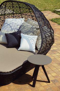 Kettal - maia Egg @terracedesigncentre Design by Patricia Urquiola #kettal #maia #egg #chair #sofa #black #cushion #paardekooper #paardekooperhulst #centre #terracefurniture #outside #outdoor #outdoorliving #outdoorfurniture #terracefurniture #terrasmeub