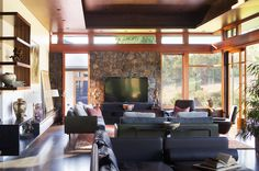 Asian Living Room by Suzanne Hunt Architect