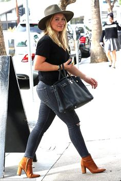 Fancy lady: Hilary Duff was spotted looking tanned and relaxed while running errands on Tuesday in Studio City, California while toting her Hermes Birkin bag Hermes Birkin, Hermes Purse, Hilary Duff Show, Hilary Duff Style, Studio City, Girls Jeans, Mail Online, Daily Mail, Chic Outfits
