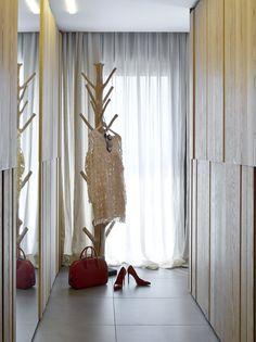 Molins Interiors // arquitectura interior - interiorismo - decoración - dormitorio - suite - principal - master - room - coatstand - perchero - vestidor - dressing room