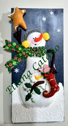 Maria Del Carmen Serrano's media content and analytics Snowman, Mary, Christmas Ornaments, Halloween, Holiday Decor, Projects, Crafts, Content, Scrappy Quilts