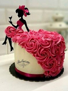 Bridal shower Cake - Bridal shower Cake Source by - Birthday Cake Cookies, Birthday Cake Girls, Cool Birthday Cakes, Birthday Ideas, Happy Birthday Cakes For Women, Birthday Cake Designs, Women Birthday, 17th Birthday, Silhouette Cake