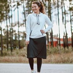 9 Modest Workout Clothes for Christian Girls - Modest Fashion Ideas - Modest Fashion Modest Dresses, Modest Outfits, Cute Outfits, Modest Clothing, Summer Outfits, Fashion Models, Fashion Outfits, Fashion Trends, Modest Workout Clothes