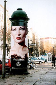Fiona Bennett's Hats 'Feathers' Outdoor Advert by Scholz & Friends, Berlin Potsdam Germany, Hamburg Germany, Street Marketing, Guerilla Marketing, Berlin Photos, Berlin City, World Cities, Cultural, Friends