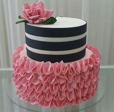 easy mug cake Pink Birthday Cakes, Beautiful Birthday Cakes, Sweet 16 Birthday, Beautiful Cakes, Amazing Cakes, Easy Mug Cake, Just Cakes, Baby Shower Cookies, Novelty Cakes