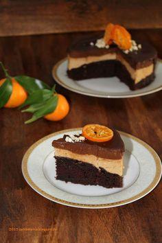 Zambetania: Tort de post cu ciocolata Vegan Desserts, Deserts, Food And Drink, Cake, Kuchen, Postres, Dessert, Torte, Cookies