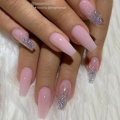 Top Awesome Coffin Nails Design 2019 You Must Try Awesome coffin nails are the hottest nails now. We collected of the most popular coffin nails. So, you don't have to spend too much energy. It's easy to find your favorite coffin nail design. Summer Acrylic Nails, Cute Acrylic Nails, Glitter Nail Art, Summer Nails, Nail Glitter Design, Glitter Fade Nails, Sparkle Nail Designs, Silver Nail Designs, Glitter Acrylics