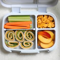 Check out my back to school kids lunchbox ideas. All include simple healthy whole foods you can put together quickly - pre-school, kindergarten & elementary lunchbox backtoschool lunchboxideas kindergarten lunch kidfriendly foodvideo 585256914059558786 Lunch Snacks, Lunch Recipes, Whole Food Recipes, Cooking Recipes, Healthy Recipes, Dinner Recipes, Cold Lunches, Easy Cooking, Lunch Ideas Vegan