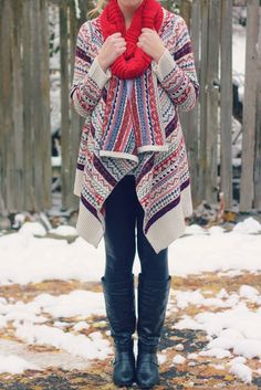 Cozy Winter Sweater + Scarf | Outfit | http://prettylifeanonymous.blogspot.com | #Sweater #Scarf #Outfit