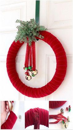 Easy Jingle Bell Wreath.