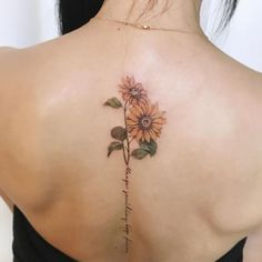 Celebrate the Beauty of Nature with these Inspirational Sunflower Tattoos Feiern Sie die Schönheit der Natur mit diesen inspirierenden Sonnenblumen-Tattoos – KickAss Things Sunflower Tattoo Sleeve, Sunflower Tattoo Shoulder, Sunflower Tattoo Small, Sunflower Tattoos, Sunflower Tattoo Design, Watercolor Sunflower Tattoo, Watercolor Tattoos, Abstract Watercolor, Cute Tattoos