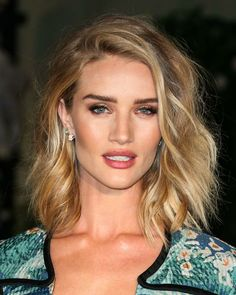 Rosie Huntington-Whiteley's choppy blond long bob