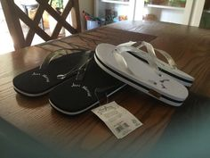 f082b3d57dc0 Mens L And Women s S Just Married Flip Flops. Network With Tags