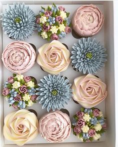 30 Most Adorable Kerry's Bouqcakes Wedding Cupcakes Deco Cupcake, Buttercream Cupcakes, Buttercream Flowers, Cupcake Piping, Pretty Cakes, Cute Cakes, Cake Decorating Tips, Cookie Decorating, Fancy Desserts