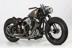 Harley XL1200C Bobber by Quentin Vaulet #motorcycles #bobber #motos   caferacerpasion.com